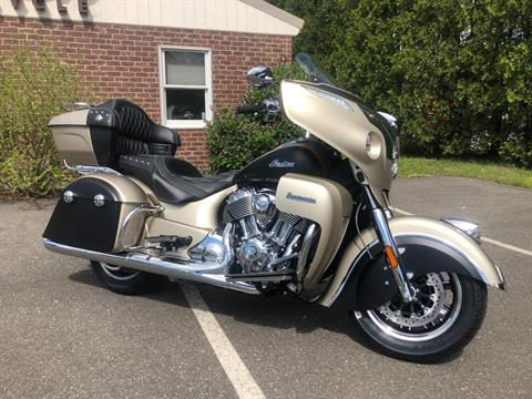 2019 Indian Roadmaster® Icon Series in Westfield, Massachusetts - Photo 2