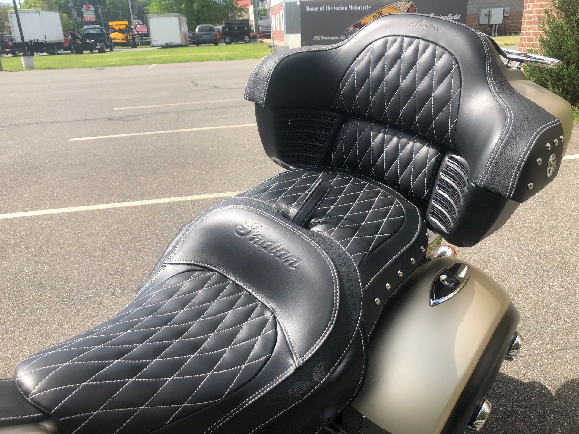 2019 Indian Roadmaster® Icon Series in Westfield, Massachusetts - Photo 11