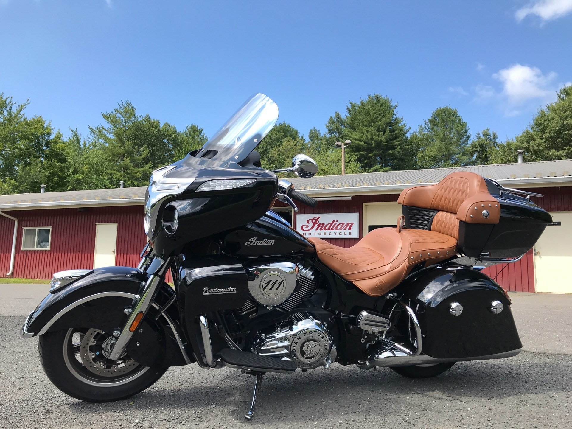 2018 Indian Roadmaster® ABS in Westfield, Massachusetts - Photo 2
