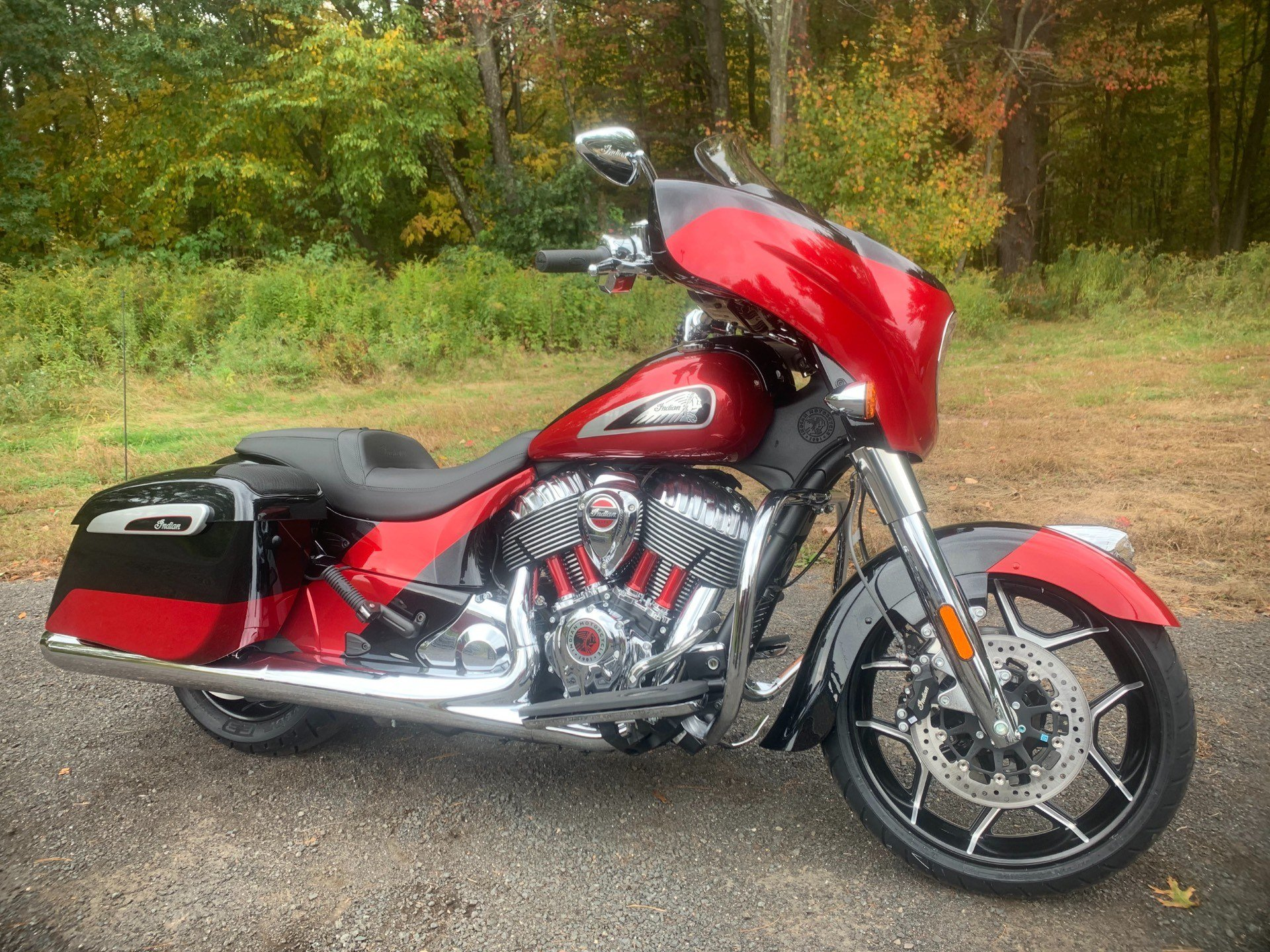 2020 Indian Chieftain® Elite in Westfield, Massachusetts - Photo 2