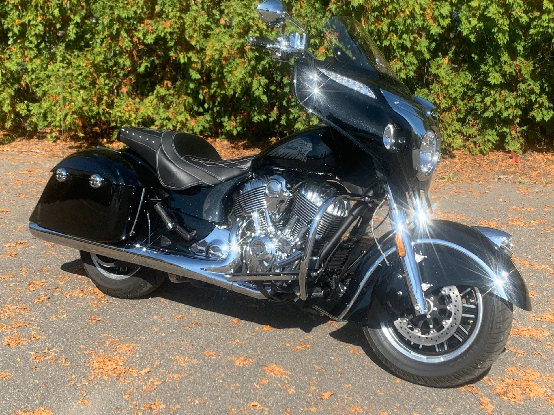 2017 Indian Chieftain® in Westfield, Massachusetts - Photo 2