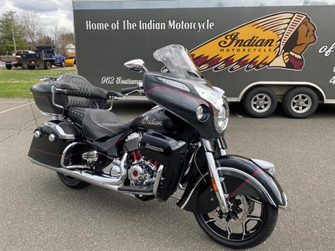 2020 Indian Roadmaster Elite in Westfield, Massachusetts - Photo 2