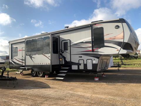 2017 winnebago scorpion toyhauler in Waco, Texas - Photo 4