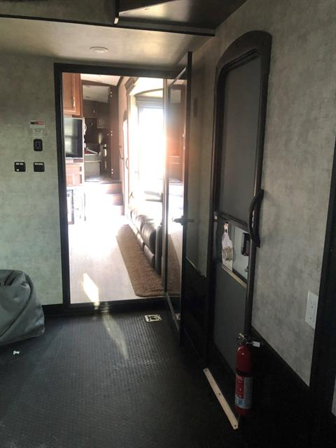 2017 winnebago scorpion toyhauler in Waco, Texas - Photo 13