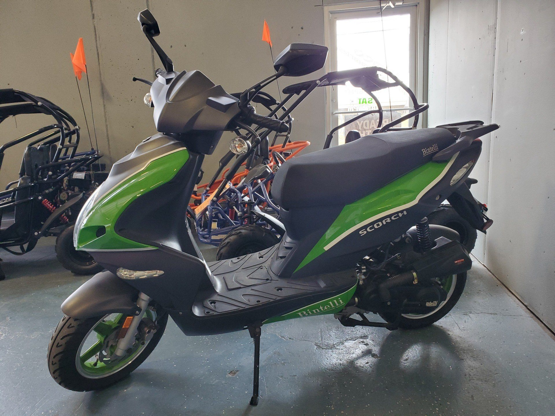 2015 Bintelli Scooters SCORTH in Waco, Texas - Photo 1
