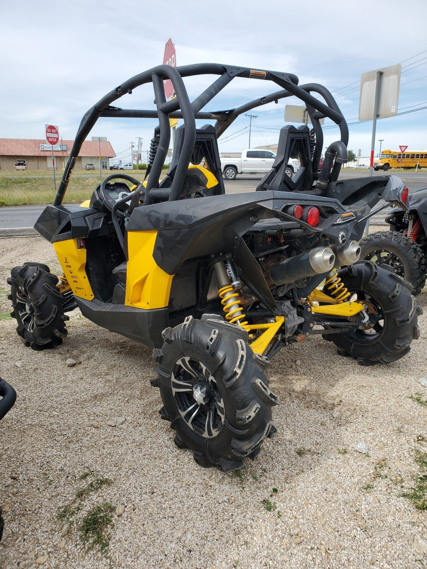 2015 Can-Am Maverick™ X® mr DPS™ 1000R in Waco, Texas - Photo 2