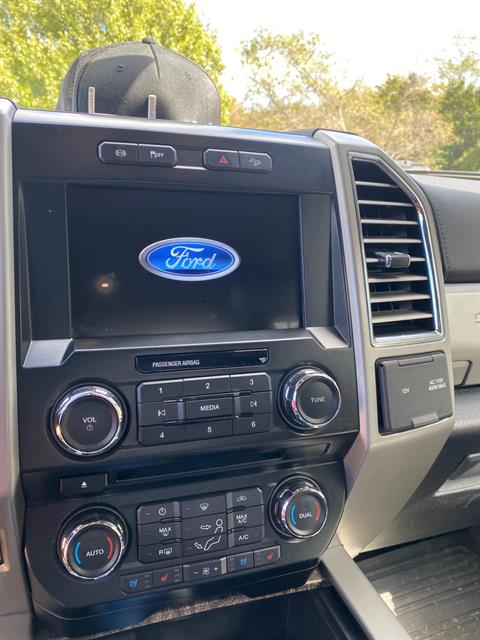 2017 Ford F-350 Lariat Ultimate Pkg 4x4 Diesel in Waco, Texas - Photo 11