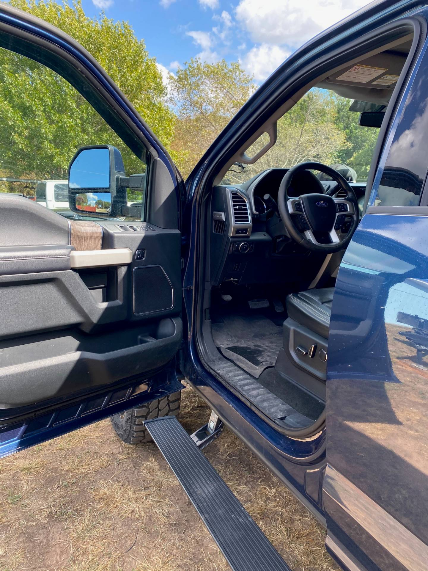 2017 Ford F-350 Lariat Ultimate Pkg 4x4 Diesel in Waco, Texas - Photo 15