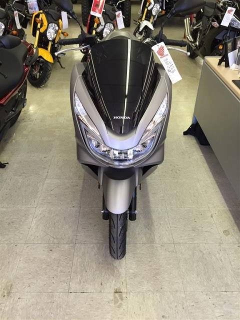 2016 Honda PCX150 Steel Grey in Greeneville, Tennessee