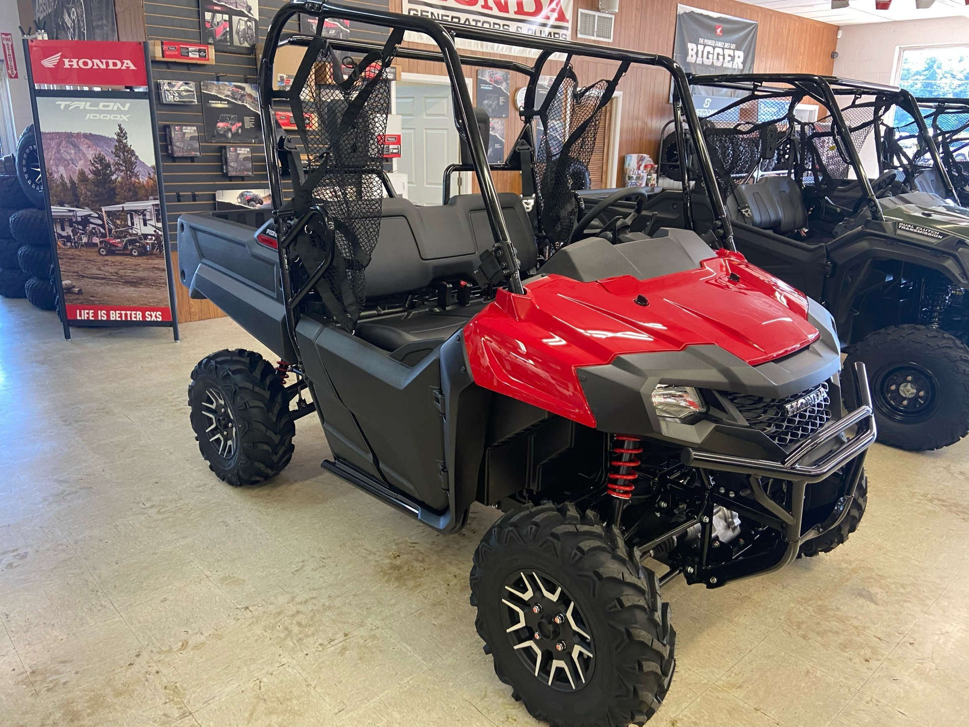 2021 Honda Pioneer 700 Deluxe in Greeneville, Tennessee - Photo 3