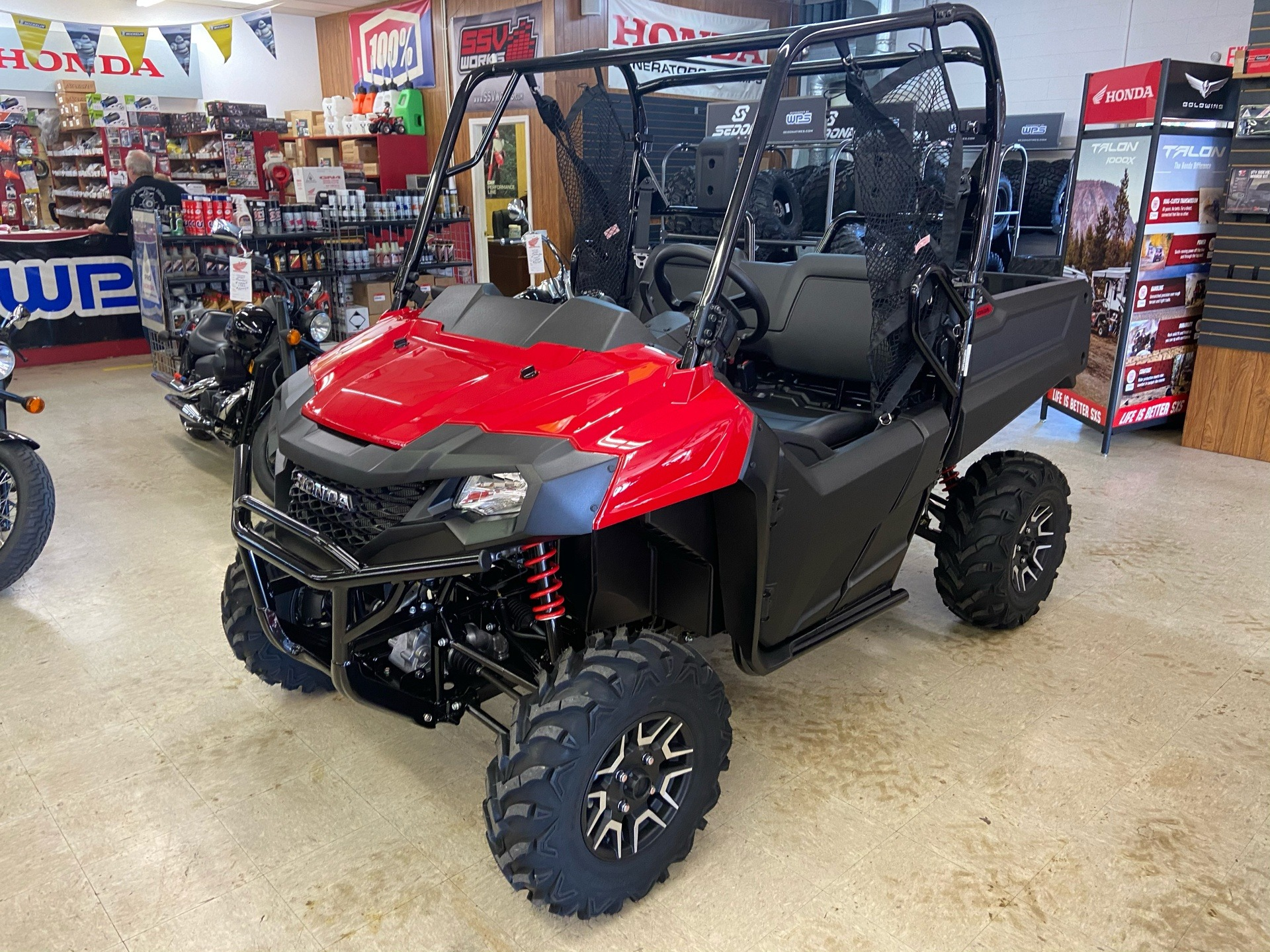 2021 Honda Pioneer 700 Deluxe in Greeneville, Tennessee - Photo 1