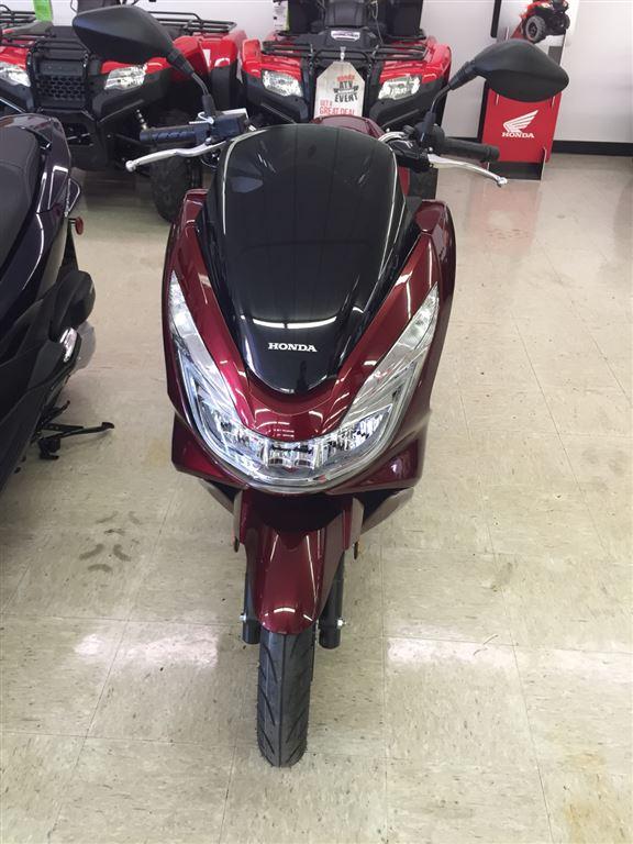2016 Honda PCX150 Dark Candy Red in Greeneville, Tennessee