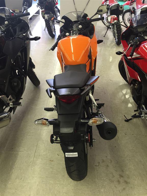 2016 Honda CBR300R in Greeneville, Tennessee