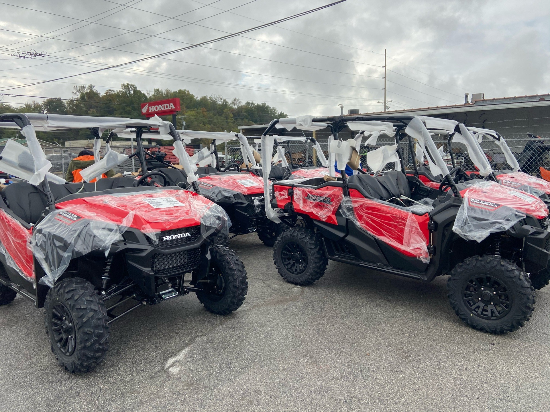 2021 Honda Pioneer 1000-5 Deluxe in Greeneville, Tennessee - Photo 1