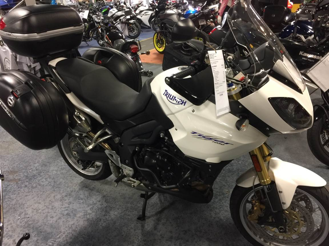 2011 Triumph Tiger 1050 ABS in Kingsport, Tennessee