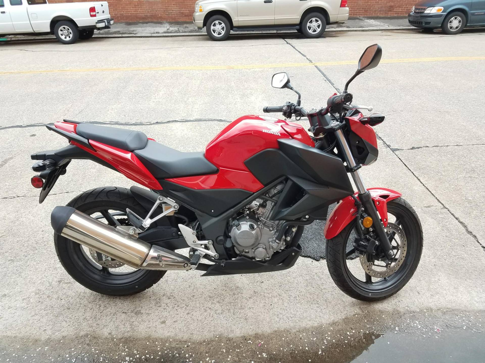 2015 Honda CB300F in Kingsport, Tennessee