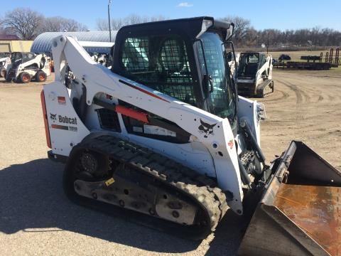 2015 Bobcat T590 in Dassel, Minnesota