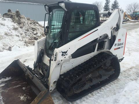 2016 Bobcat T-590 in Dassel, Minnesota