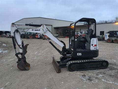 2014 Bobcat E35 in Dassel, Minnesota