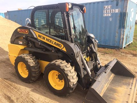 2015 New Holland Construction L220 in Dassel, Minnesota