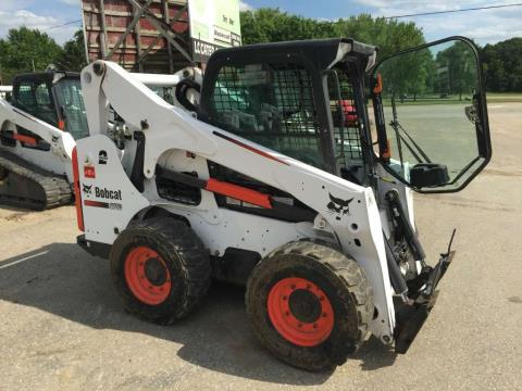 2014 Bobcat S750 in Dassel, Minnesota