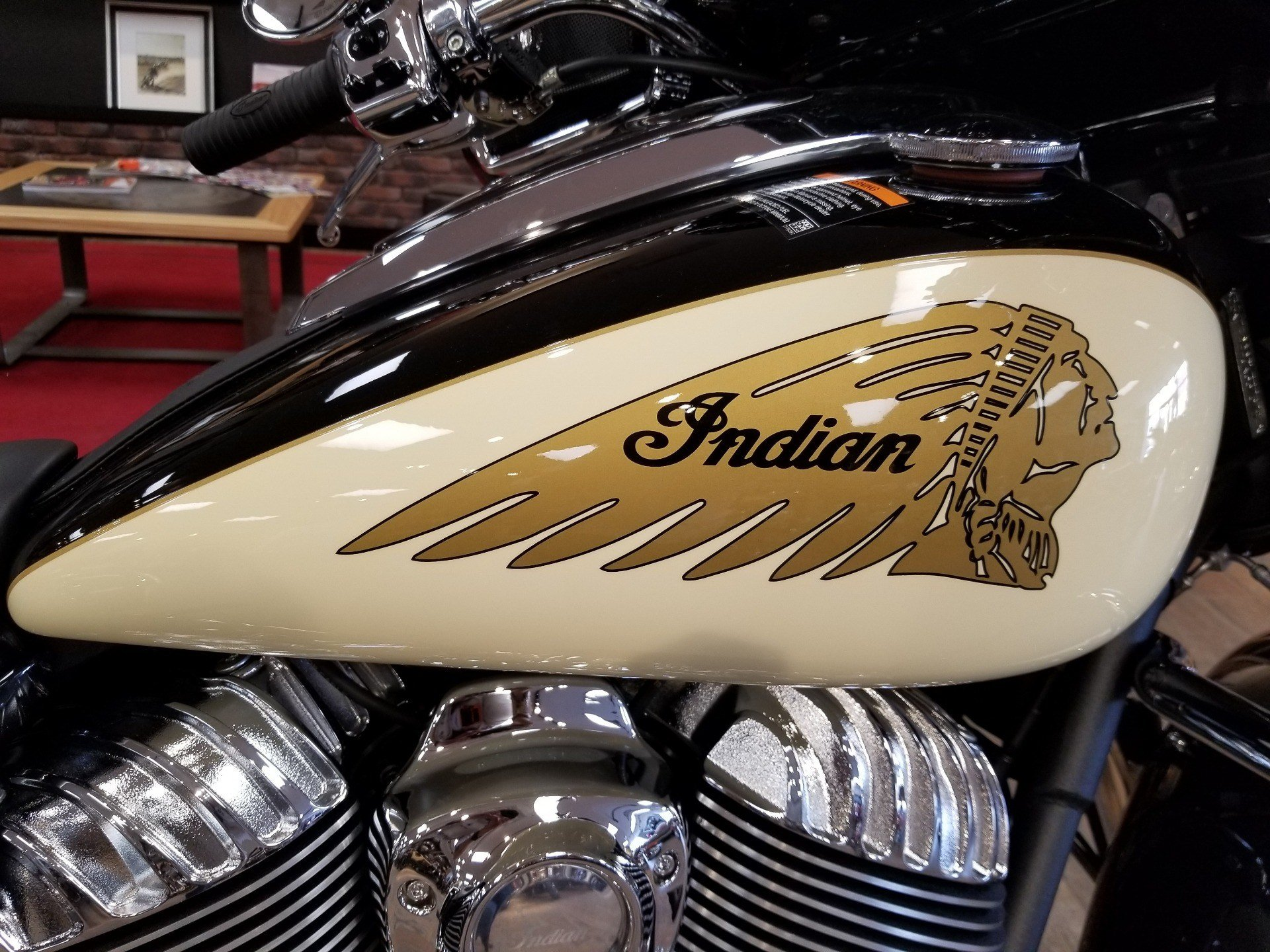 2019 Indian Chieftain® Classic ABS in Laredo, Texas - Photo 8