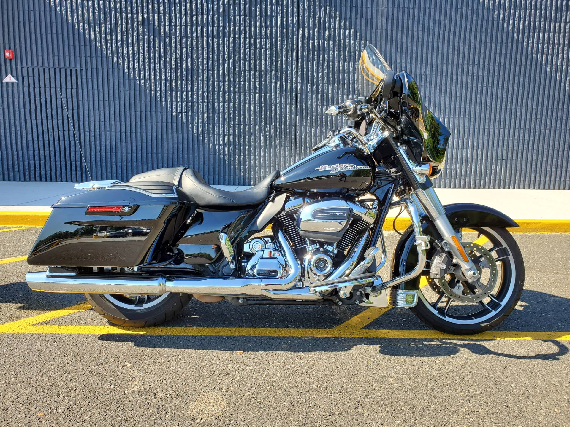 2017 Harley-Davidson Street Glide Special in West Long Branch, New Jersey - Photo 1