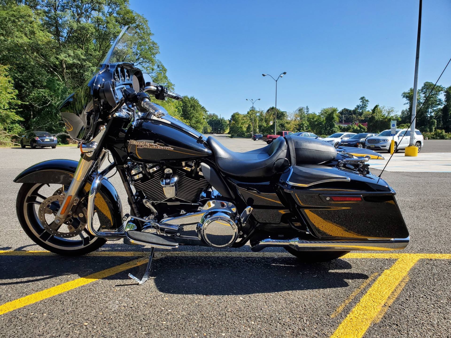 2017 Harley-Davidson Street Glide Special in West Long Branch, New Jersey - Photo 2