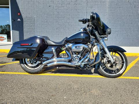 2018 Harley-Davidson Stree Glide in West Long Branch, New Jersey - Photo 1
