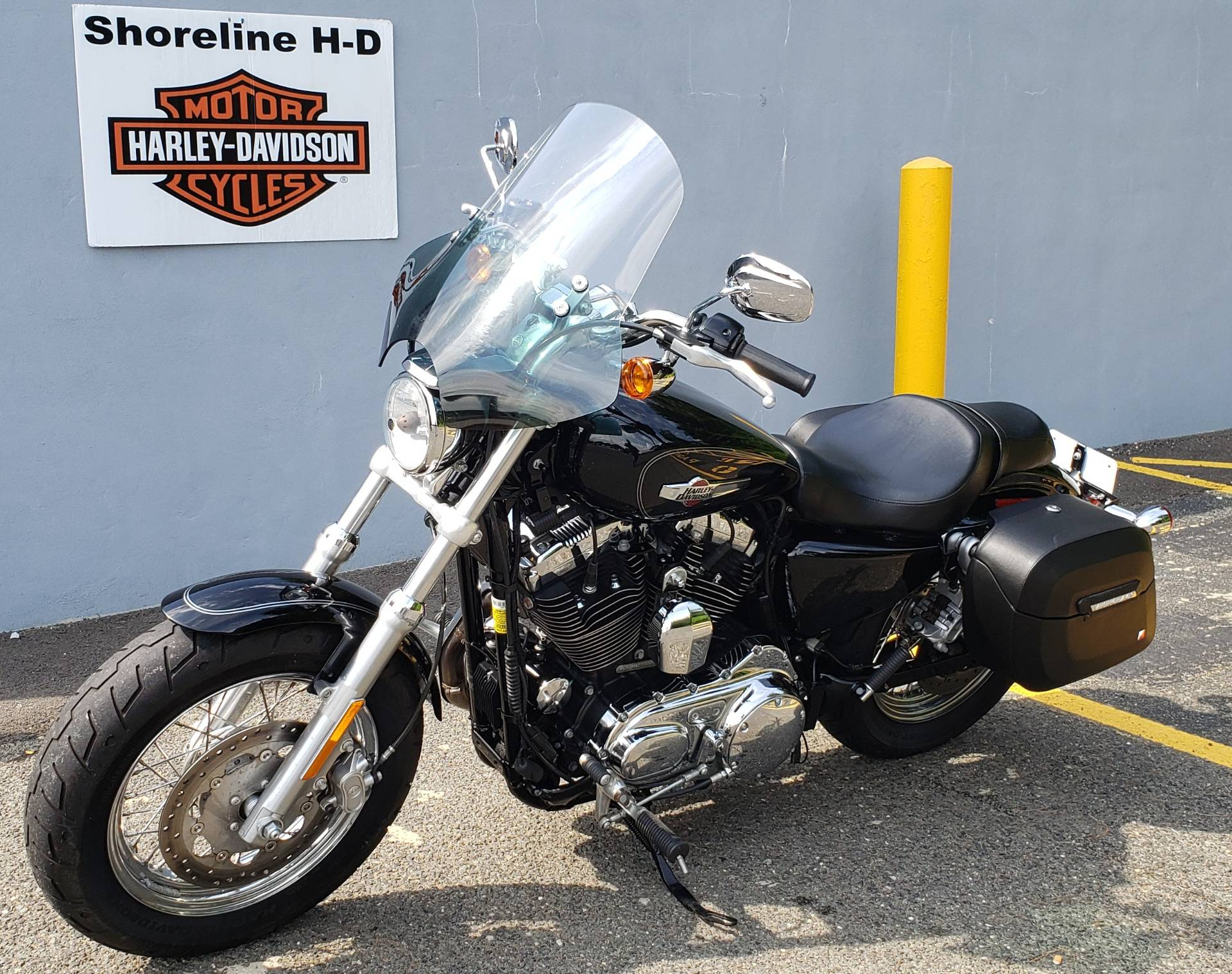 2017 Harley-Davidson 1200 Custom in West Long Branch, New Jersey - Photo 5