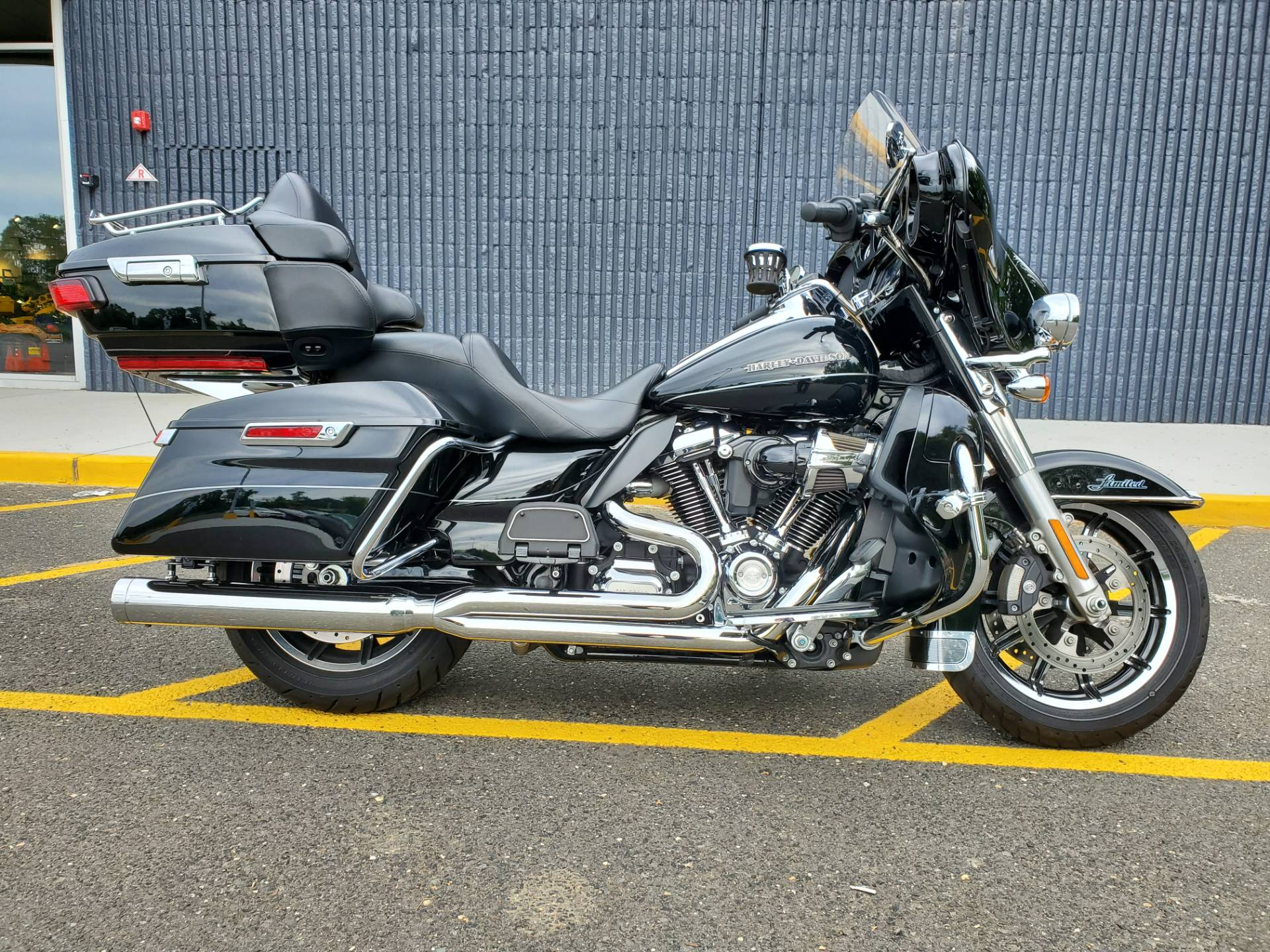 2017 Harley-Davidson Ultra Limited in West Long Branch, New Jersey - Photo 1