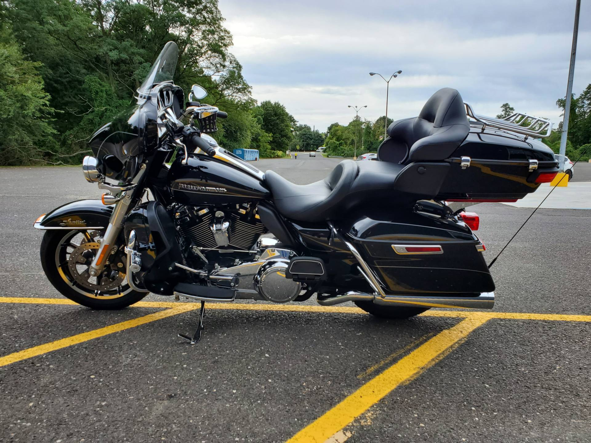 2017 Harley-Davidson Ultra Limited in West Long Branch, New Jersey - Photo 2
