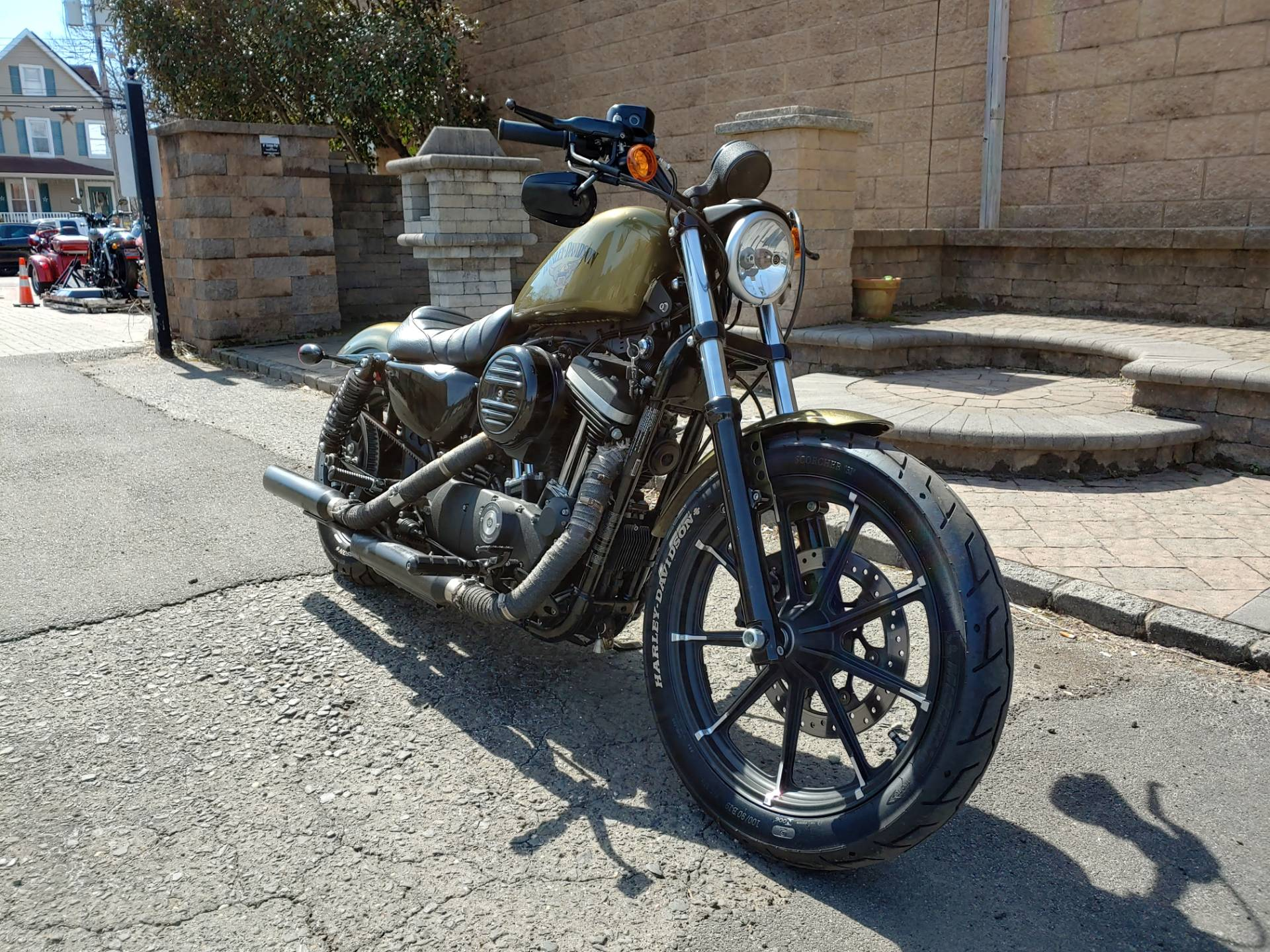 2016 Harley-Davidson Iron 883™ in West Long Branch, New Jersey - Photo 3