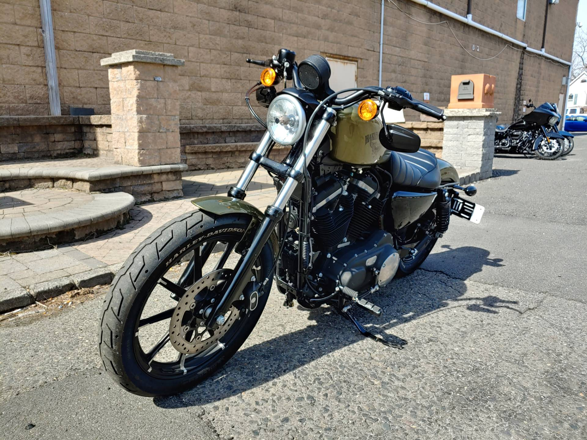 2016 Harley-Davidson Iron 883™ in West Long Branch, New Jersey - Photo 5