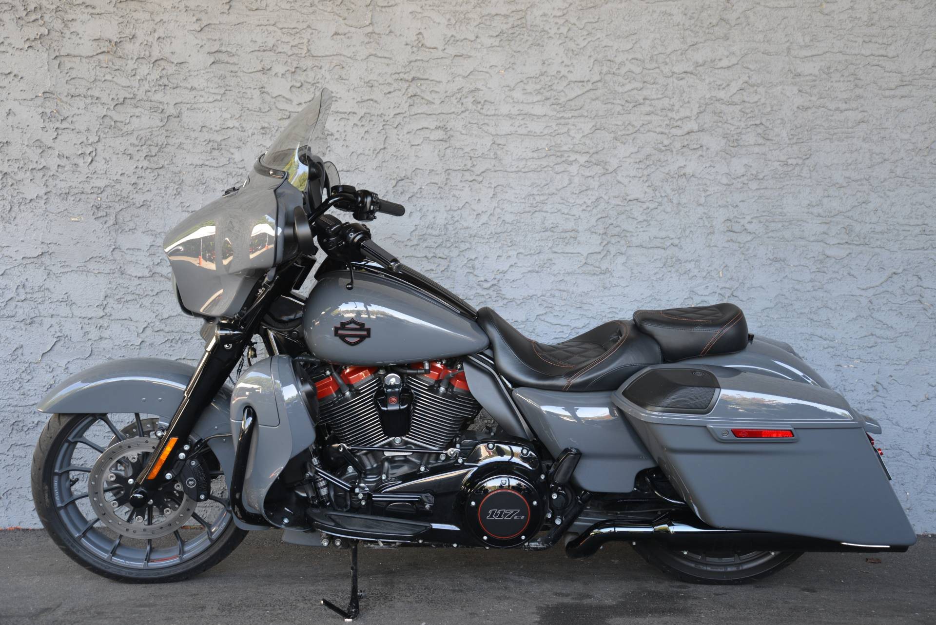 2018 Harley-Davidson CVO STREET GLIDE in Lakewood, New Jersey - Photo 12