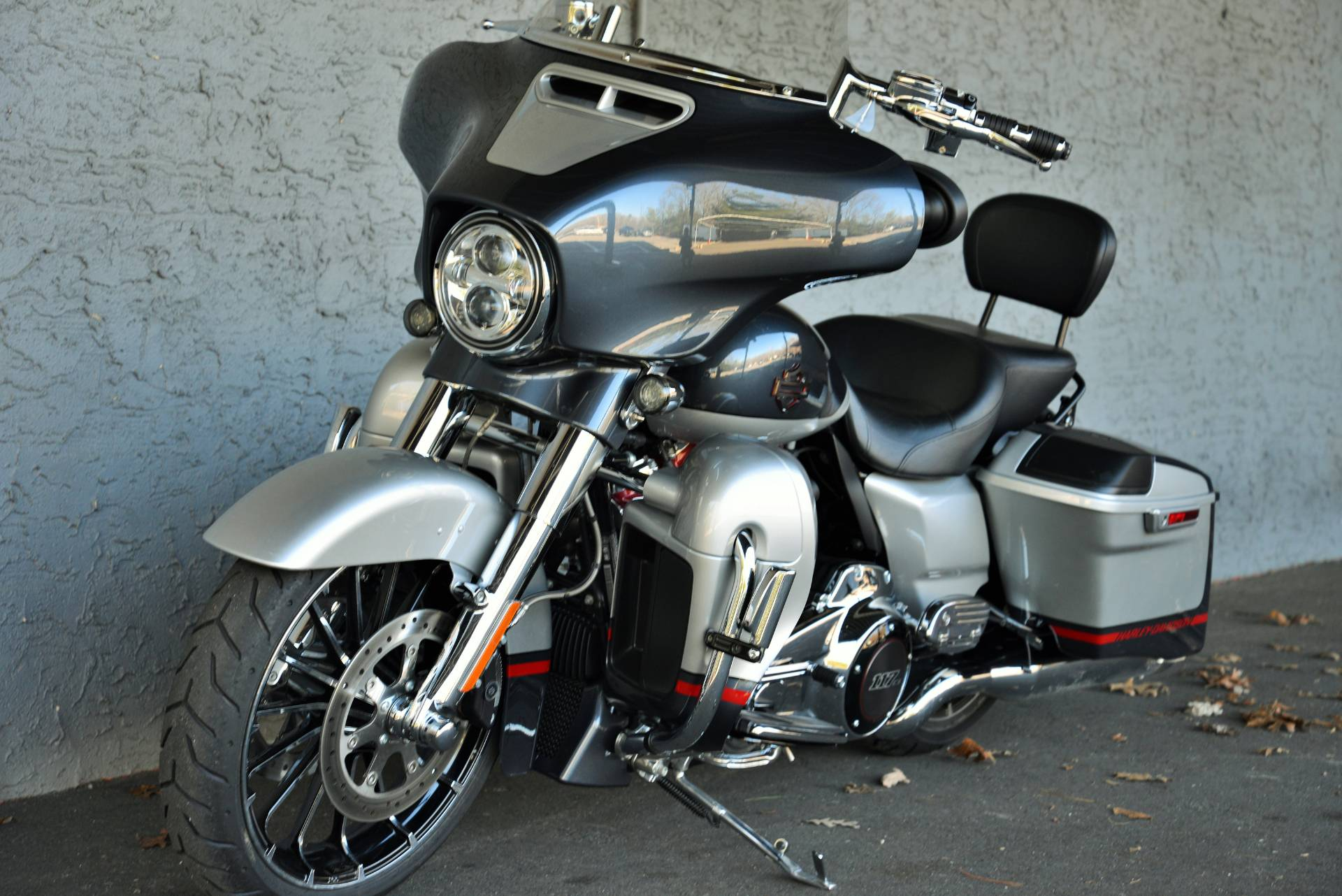 2019 Harley-Davidson CVO STREETGLIDE in Lakewood, New Jersey - Photo 14