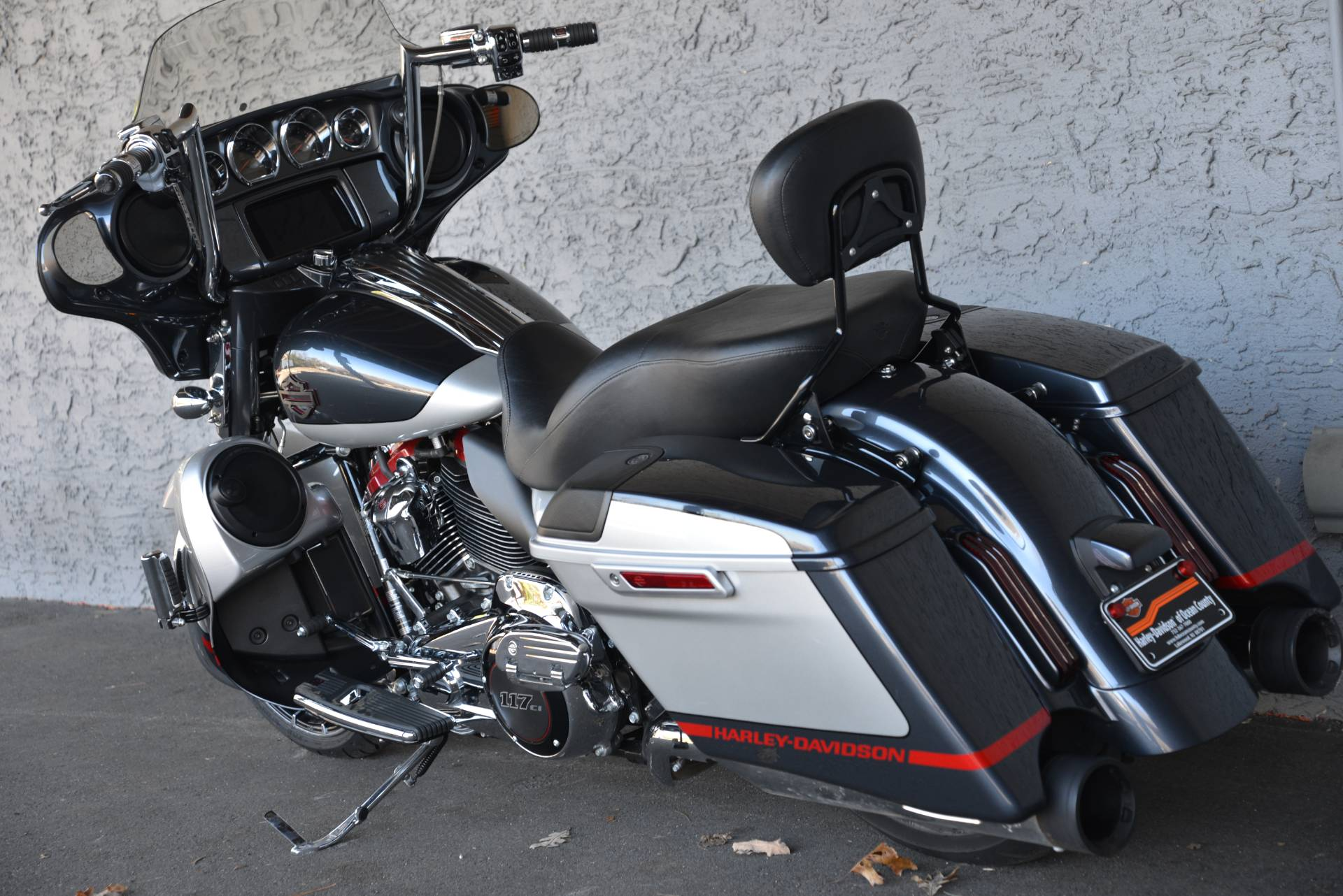 2019 Harley-Davidson CVO STREETGLIDE in Lakewood, New Jersey - Photo 15
