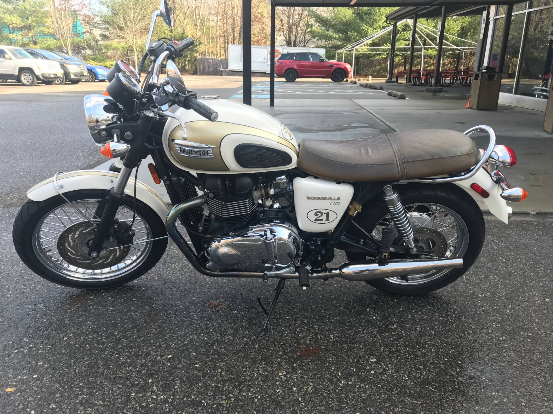 2014 TRIUMPH BONNEVILLE in Lakewood, New Jersey - Photo 2