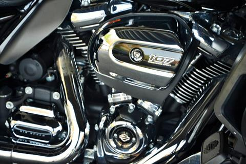 2017 Harley-Davidson ROADGLIDE ULTRA in Lakewood, New Jersey - Photo 7