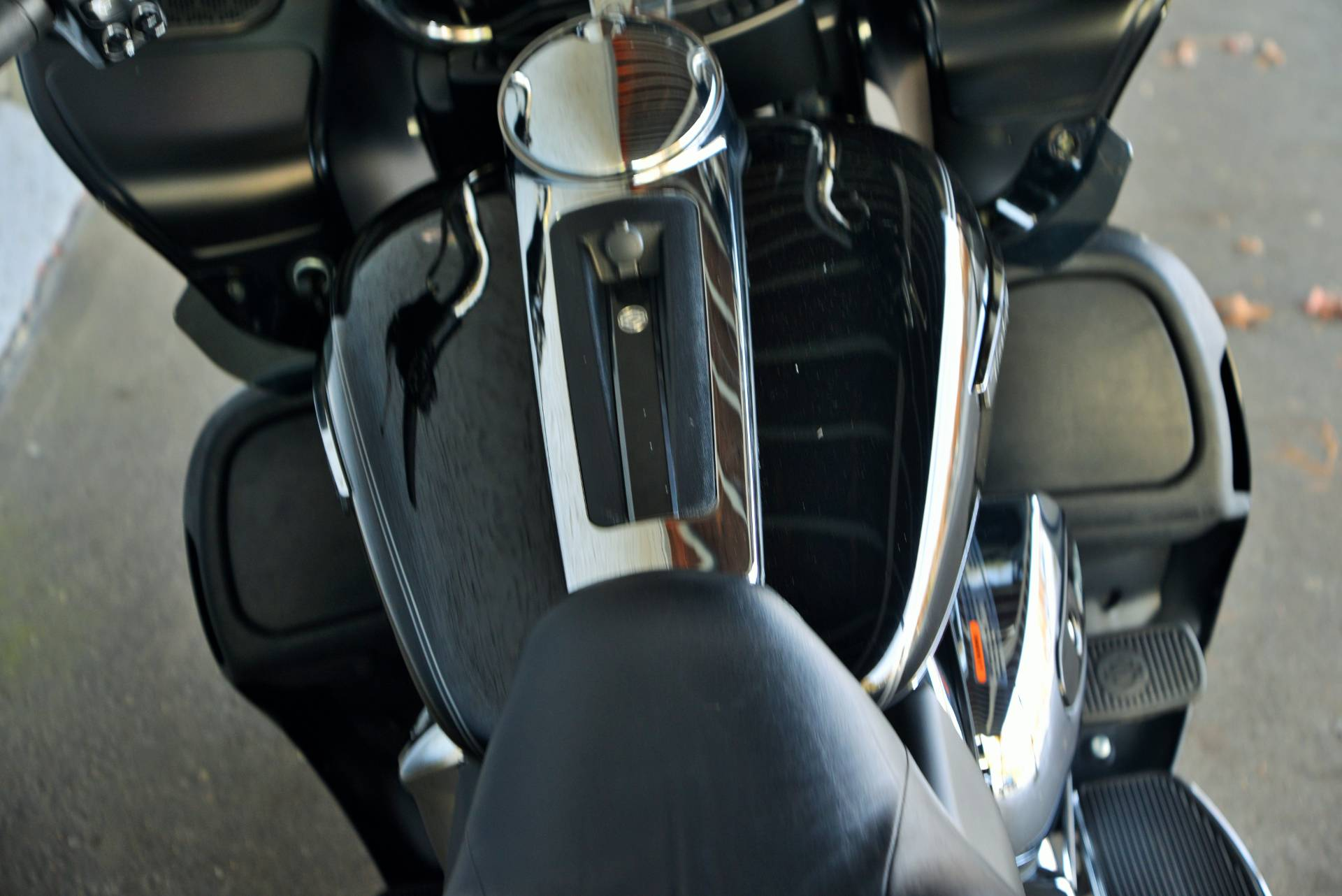 2017 Harley-Davidson ROADGLIDE ULTRA in Lakewood, New Jersey - Photo 10