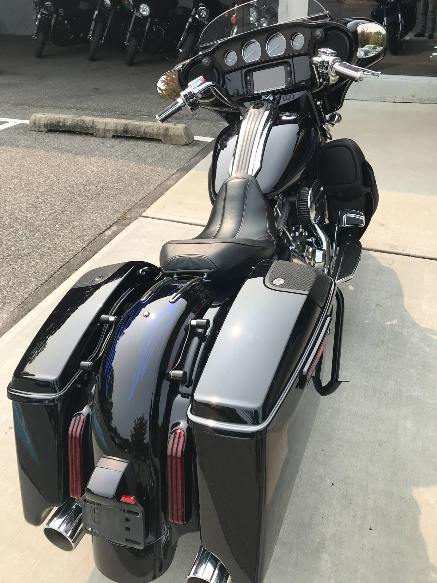 2016 Harley-Davidson CVO STREETGLIDE in Lakewood, New Jersey - Photo 6
