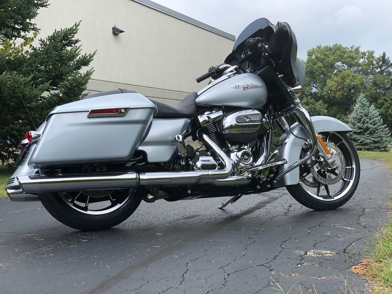 2020 Harley-Davidson Street Glide® in Portage, Michigan - Photo 8