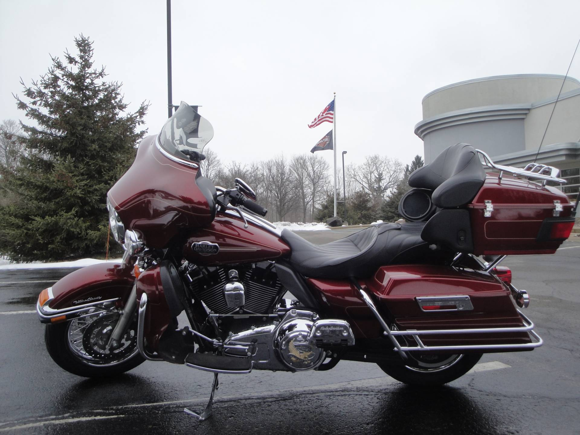 2010 Harley-Davidson Ultra Classic® Electra Glide® in Portage, Michigan - Photo 4