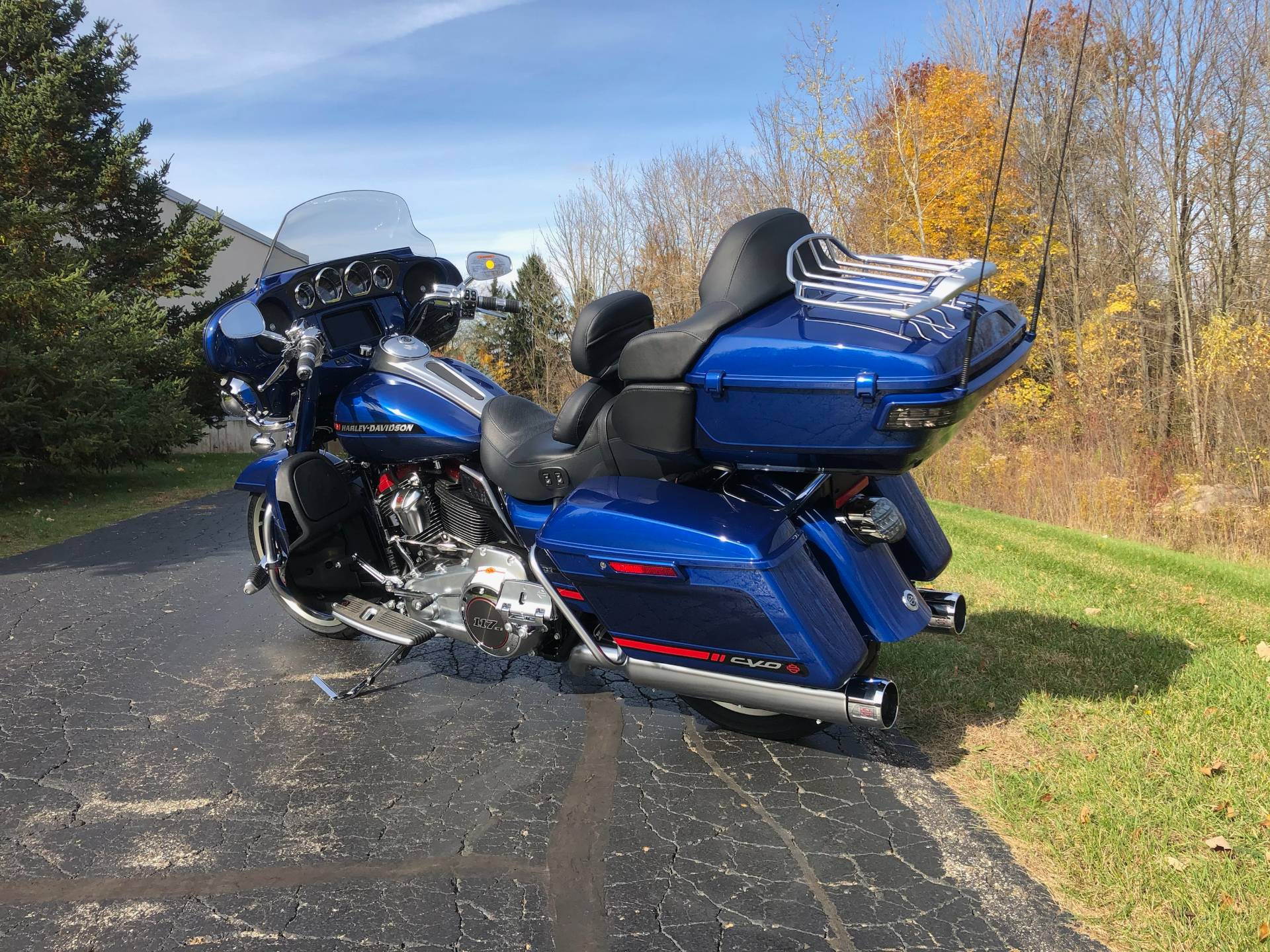 2020 Harley-Davidson CVO™ Limited in Portage, Michigan - Photo 6
