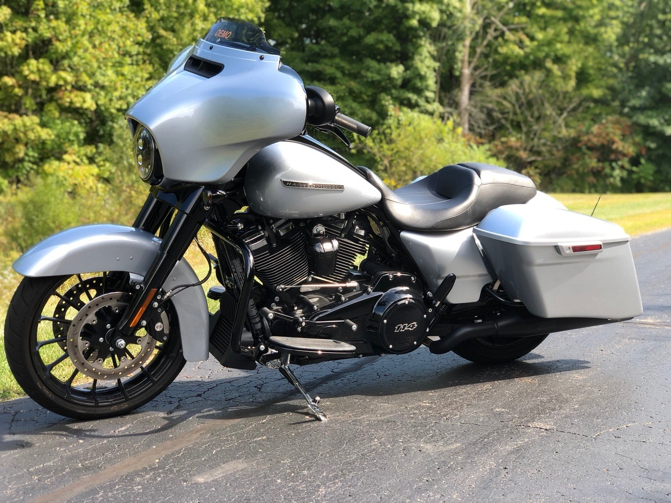 2019 Harley-Davidson Street Glide® Special in Portage, Michigan - Photo 12