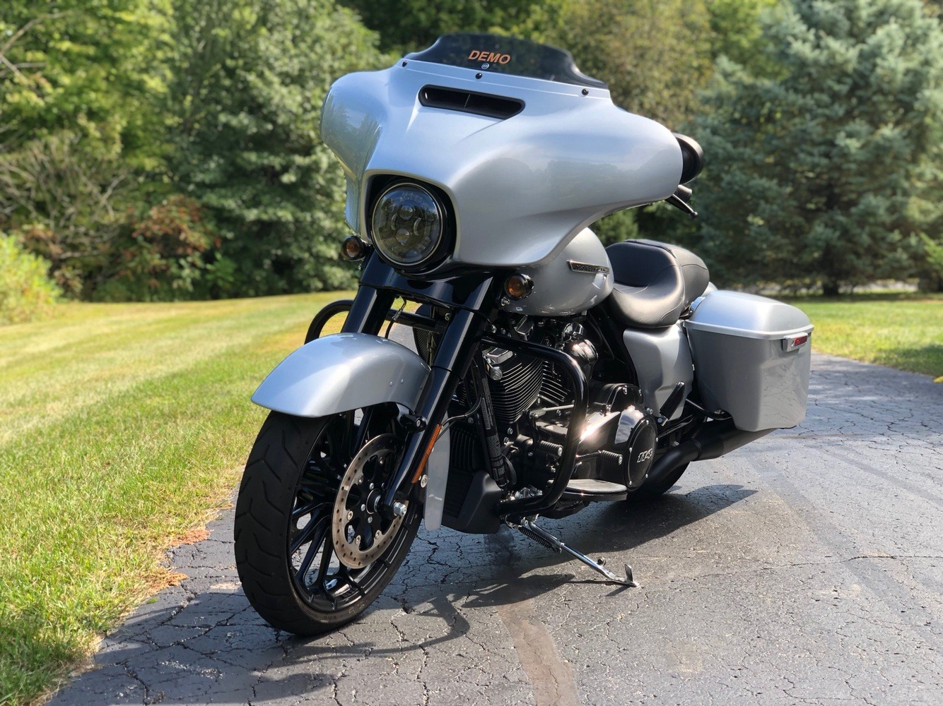 2019 Harley-Davidson Street Glide® Special in Portage, Michigan - Photo 6