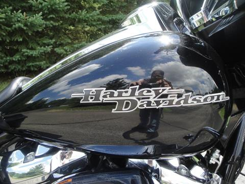 2018 Harley-Davidson Street Glide® in Portage, Michigan - Photo 10