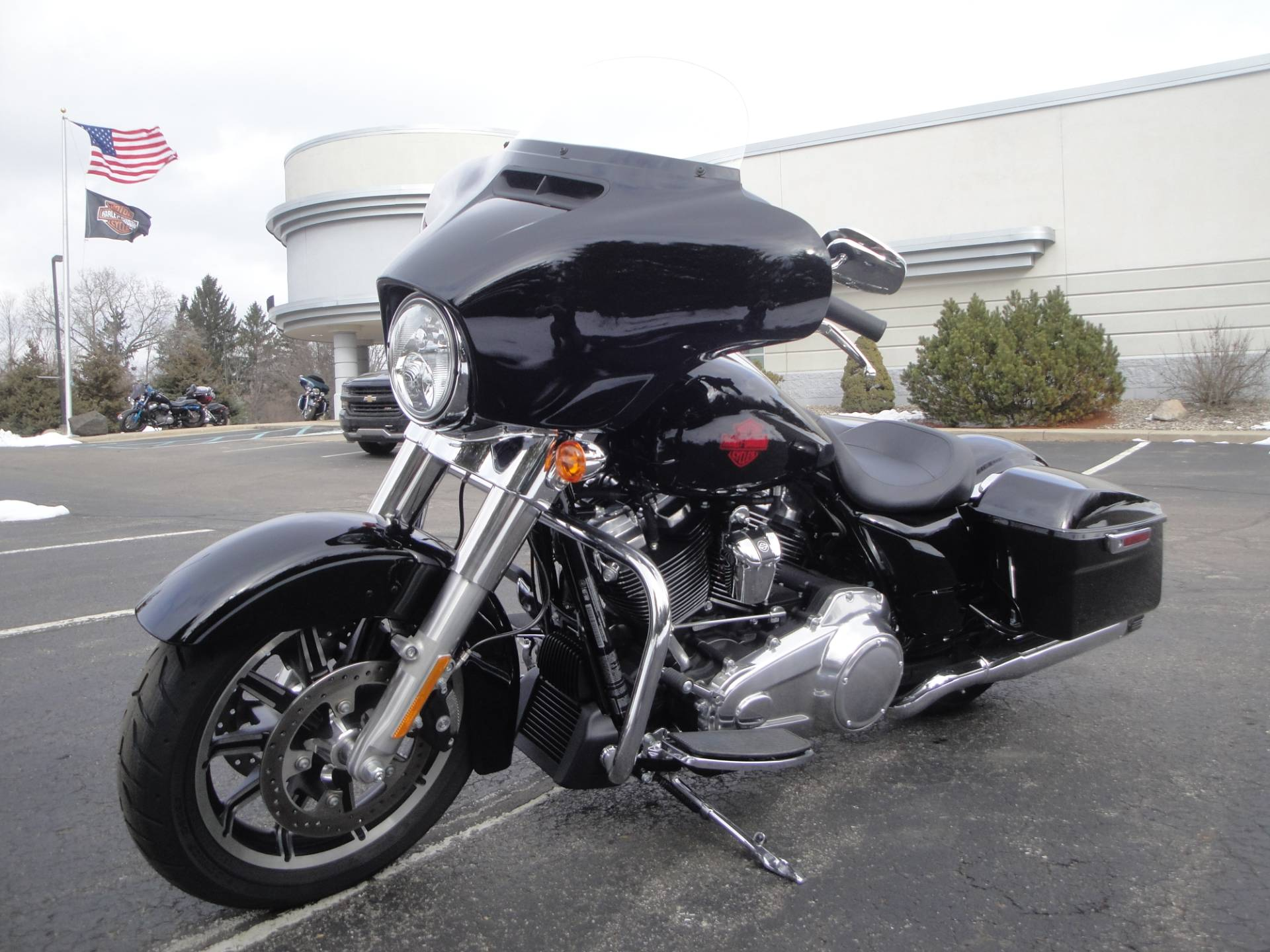 2019 Harley-Davidson Electra Glide® Standard in Portage, Michigan - Photo 6