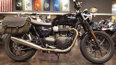 2016 Triumph Street Twin in Saint Charles, Illinois