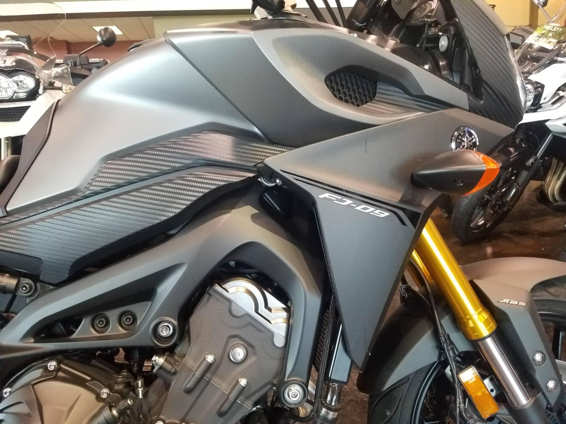 2015 Yamaha FJ-09 7
